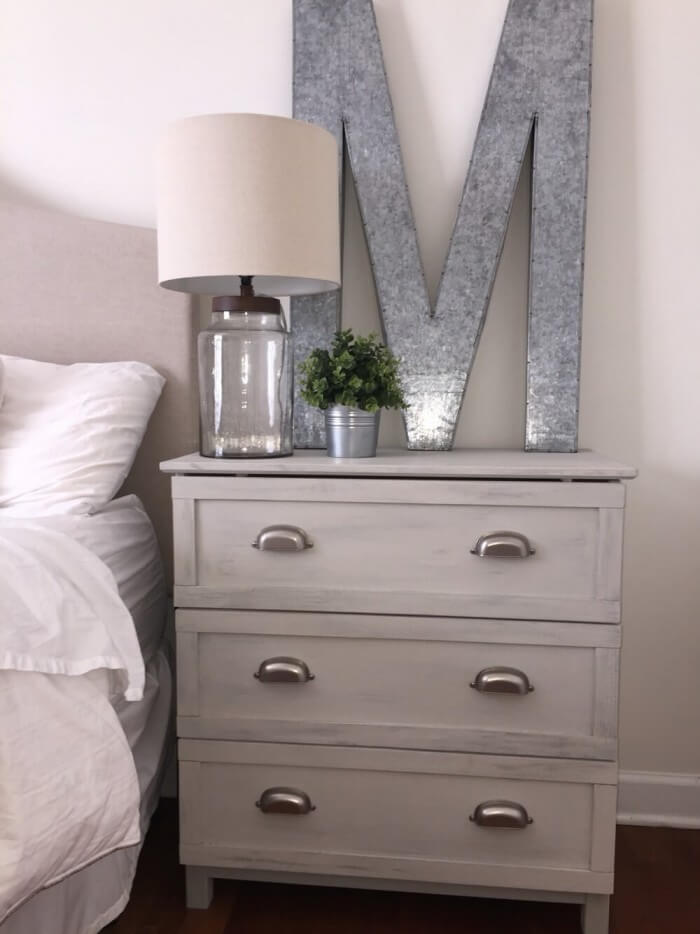 Cheap and Easy farmhouse bedroom set delivered to your doorstep for a rustic country home