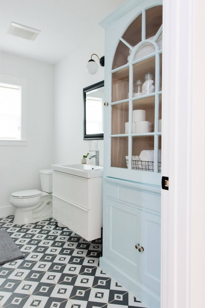 Simply chic old bathroom tile ideas will make your room look professionally designed for you that are simple to do | you should try