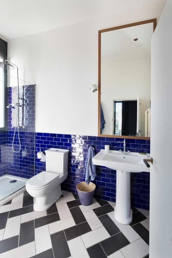 Functional ideas for decorating subway tile bathroom will have you planning your bathroom remodel. Get the most from smaller spaces when tiling bathroom walls and floors
