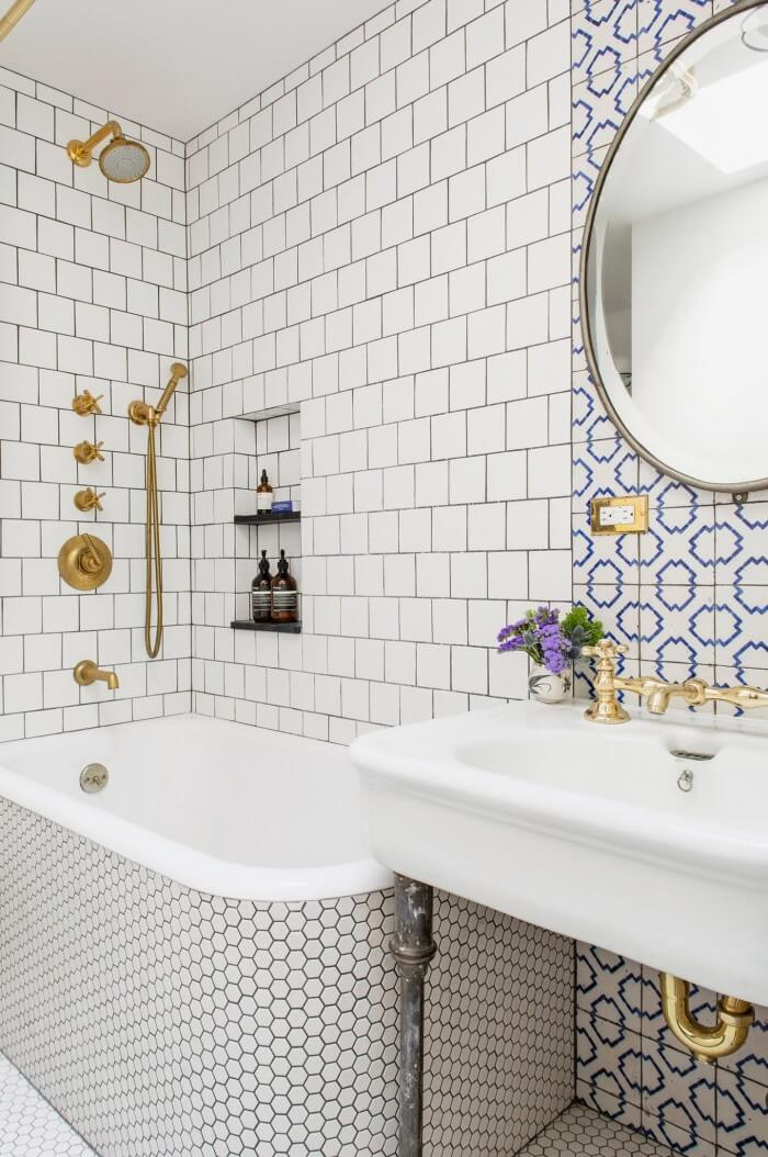 Simply chic bathroom wall tiles design will make your room look professionally designed for you that are simple to do | you should try