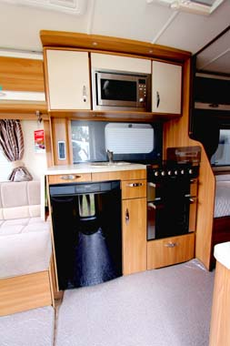 Swift Challenger SE 565 Kitchen