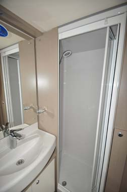 Sterling Eccles 480 Shower
