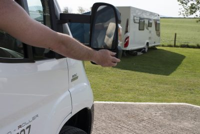 Checking motorhome mirrors