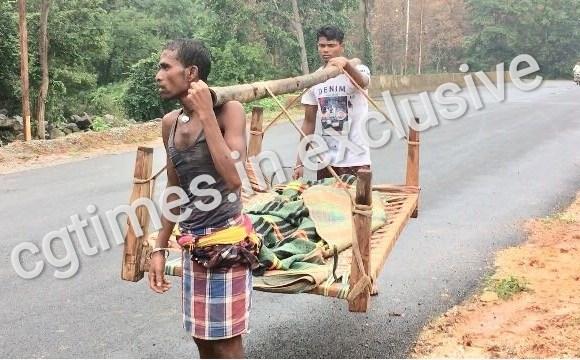 मंत्री के गृह ग्राम में ग्रामीण क्यों कर रहे देशी शव-वाहन का इस्तेमाल, कहाँ मर गयी संवेदनाएं..??