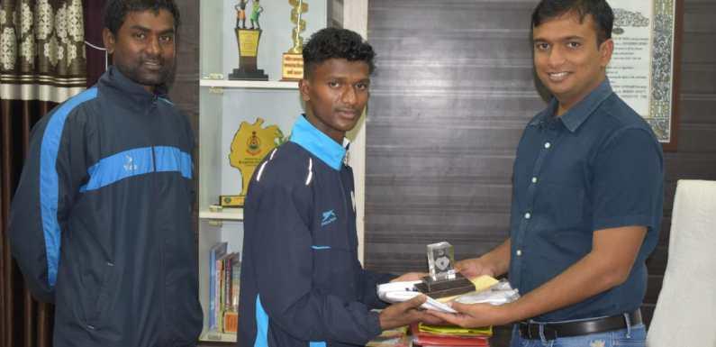 'कराते कॉमनवेल्थ गेम' में बीजापुर खेल अकादमी का 'संतोष' हुआ चयनित, पुलिस विभाग ने किया सम्मानित