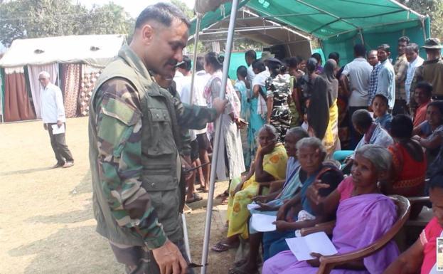 अतिनक्सल प्रभावित गांवो के 500 ग्रामीणों ने सिविक एक्शन कार्यक्रम में की शिरकत, ग्रामीणों ने मेडिकल कैम्प में कराया ईलाज