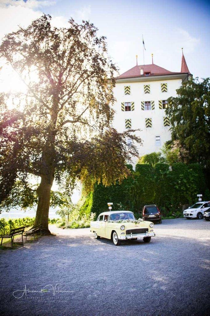 Abfahrt von Schloss Heidegg, Hochzeitsauto