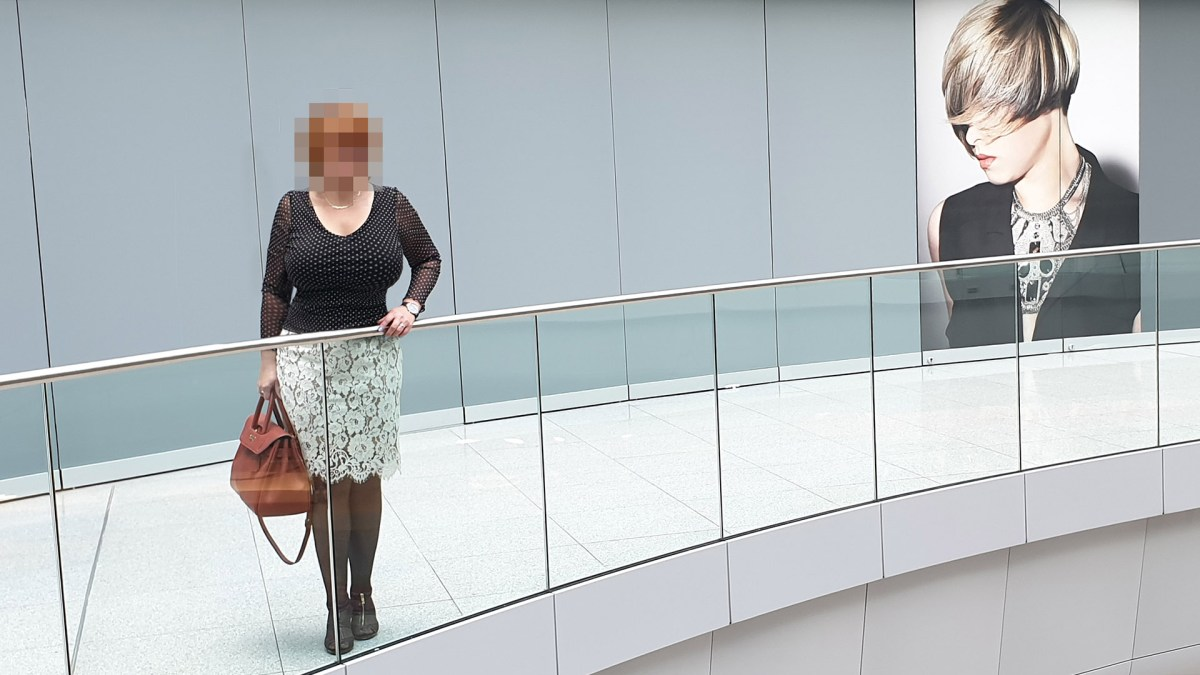 Sofia VIP escort lady and big beautiful woman with enormous bust size in Hilton Frankfirt Airport Hotel