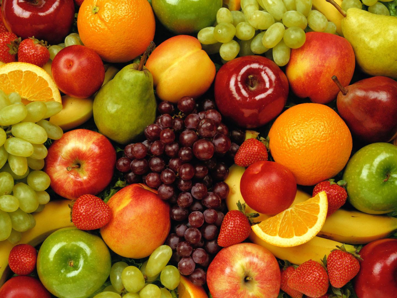 Melhore a saúde da sua família: descubra as vantagens das frutas cortadas e embaladas in natura!