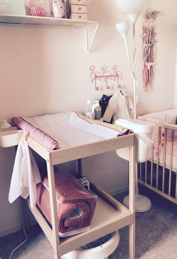 la chambre flamant rose de bebe a petit