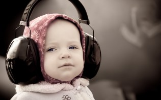 headphones__mood_babies_children_face_eyes_cute_1920x1200