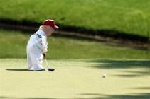 best-damn-photos-tiny-trump-putts