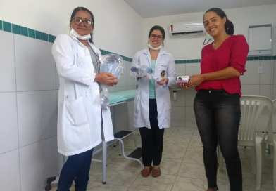 Prefeitura distribui Kits de ambu e Oxímetro de dedoaos profissionais das Unidades Básicas de Saúde