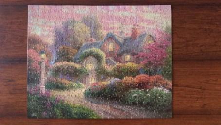 Rosebud Cottage (500 pc)