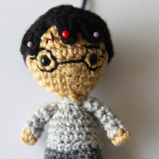 Harry Potter - pin hair before sewing