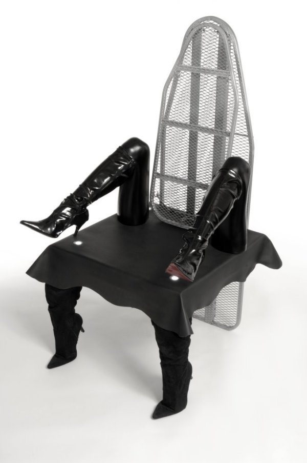 The Bored Housewife Throne