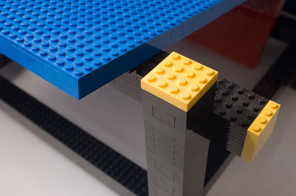 Lego-Red-Blue-lego-chair-by-minale-and-maede-detail