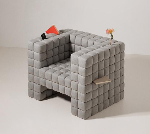 Lost in Chair by Daisuko Motogi