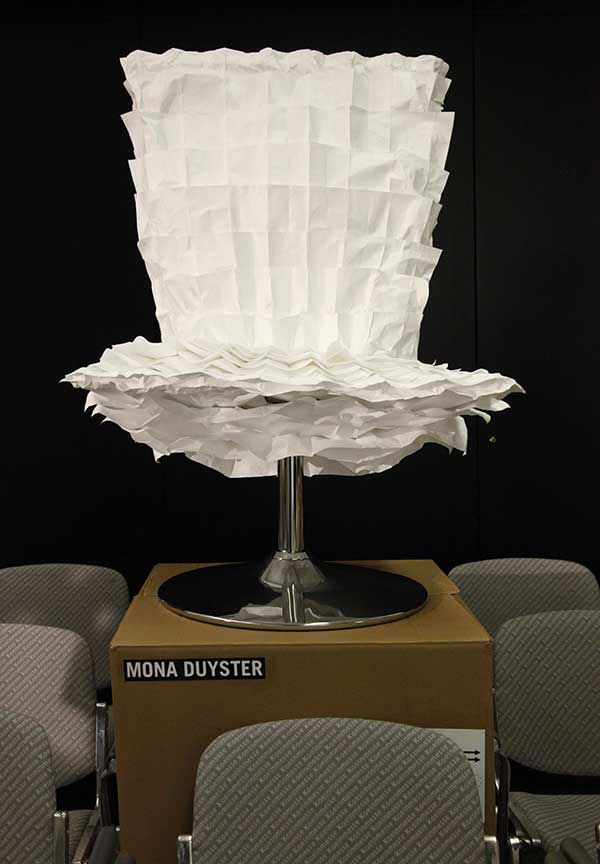 Fluffy-Chair-by-Mona-Duyster-Photo-by-Chair-Blog-_MG_8241