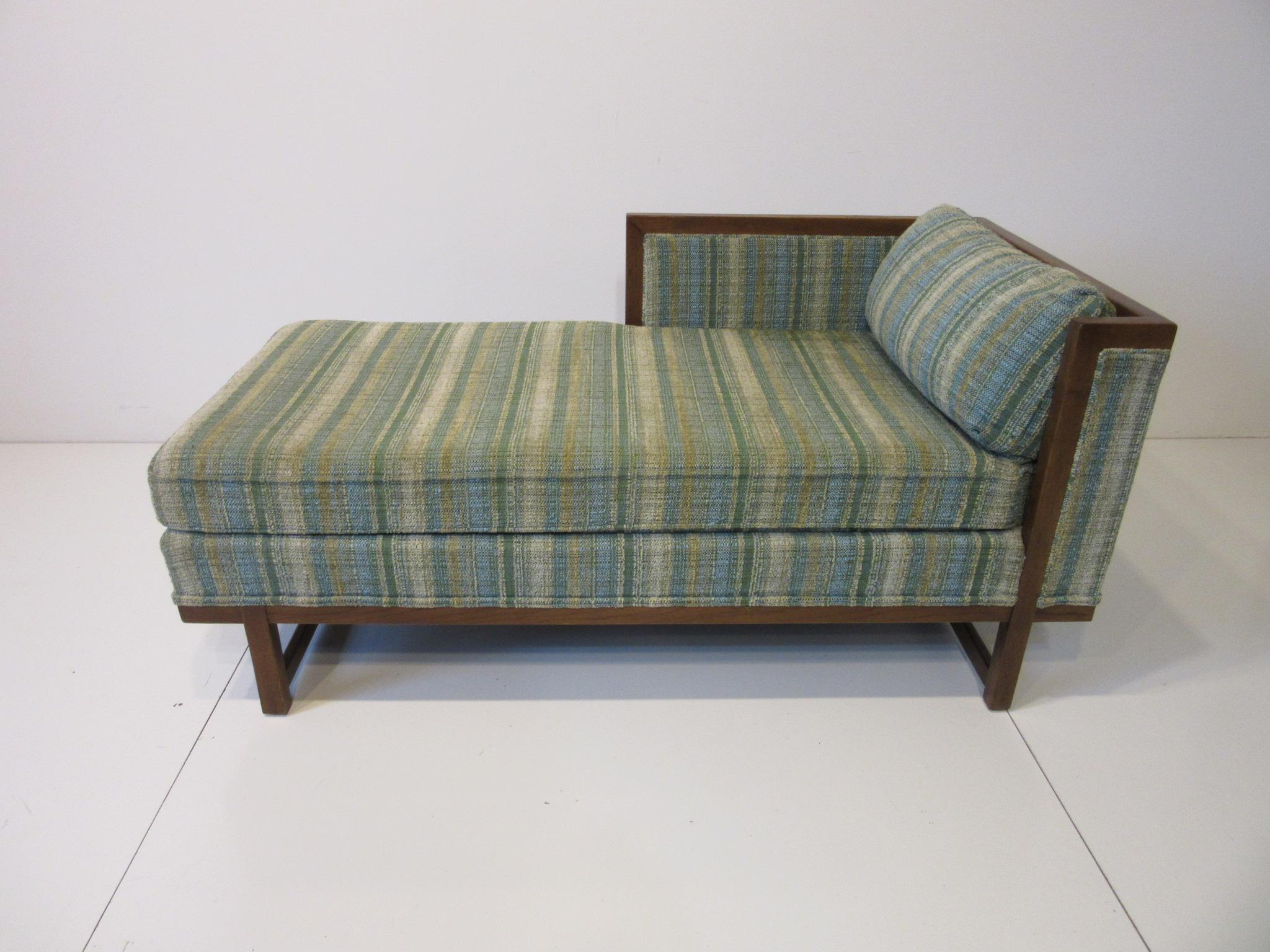 flair mid century chaise lounge chair by bernhardt