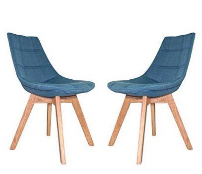 craquez sur une chaise scandinave bleue