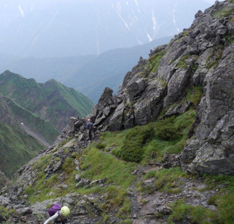 登山道からドーム取り付きに向かう