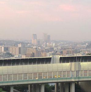 清水ヶ丘から望む上大岡駅周辺のビル