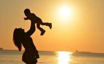 मातृ दिवस के अवसर पर सुनिए माँ को केंद्र में रखकर लिखे ये गढ़वाली गीत