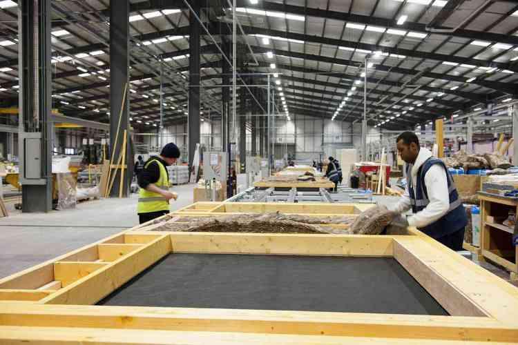 Linha de produção de casas de madeira