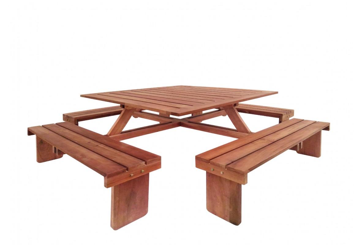 table de pique nique carree en bois dur