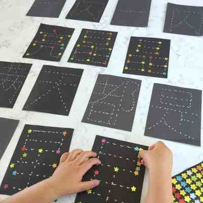 小星星 Twinkle, Twinkle Little Star in Chinese – Constellation Sticker Activity!
