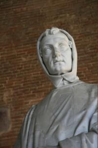 19th century statue of Leonardo Fibonacci in the Old Cemetery, Pisa