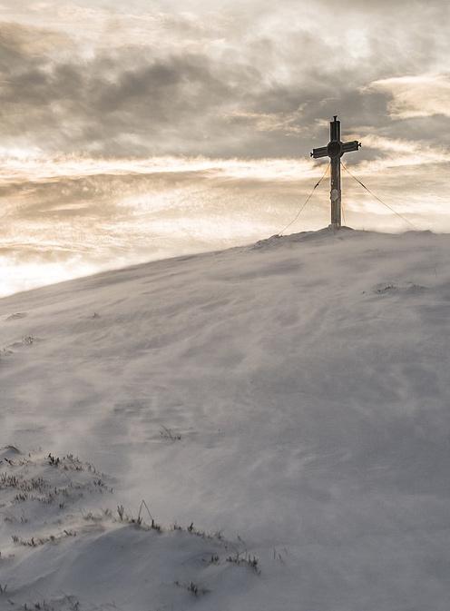 église châlons en champagne - Croix sur un sommet enneigé