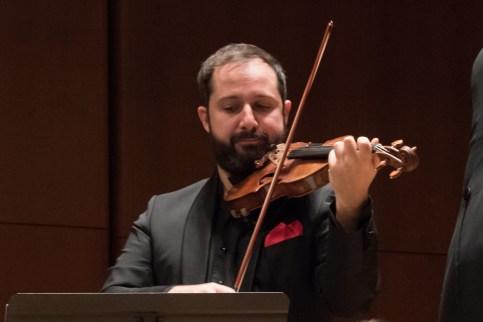"""Chamber Orchestra of New York, Christmas Concerti. Salvatore Di Vittorio, conductor; Davide Alogna, violin PROGRAM SAMMARTINI, Concerto Grosso, op. 5, no. 6 """"Natale"""" VIVALDI, Concerto for Violin, in E major """"Il Riposo, Per Natale"""", RV 270 VIVALDI, Concerto for Violin, in D major """"per la Solennità di S.Antonio"""", RV 212 TARTINI (transc. Respighi), Pastorale, for violin and strings, P. 86 DI VITTORIO, Ode Corelliana [New York Premiere] CORELLI, Concerto Grosso, op.6, no.8, G minor """"Per la notte di Natale"""""""
