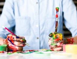 Con có năng khiếu vẽ thì làm gì?