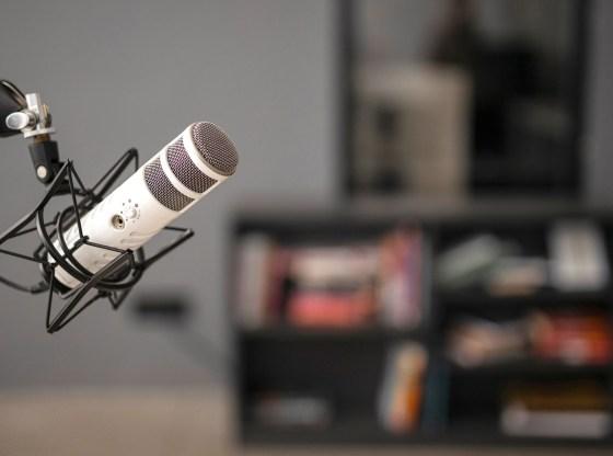5 kênh podcast hữu ích giúp con bạn phát triển bản thân tốt hơn