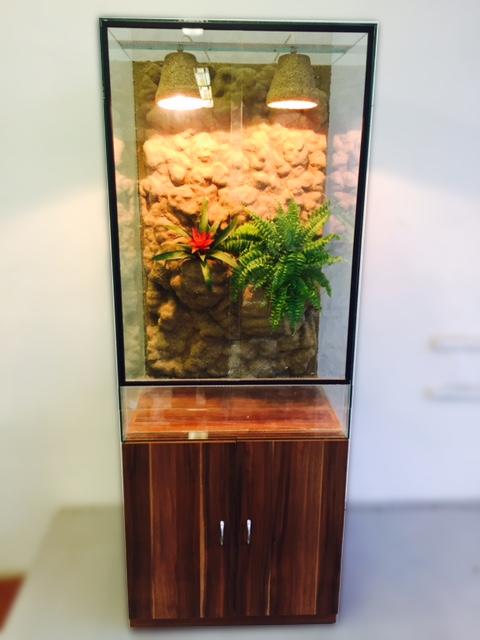 Terárium 50x50x100 cm pro chameleona