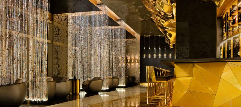 Eileen Callahan of Champagne Travels at Gold on 57 in Dubai at Burj Al Arab