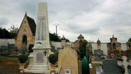 Monument-aux-morts-Champagne
