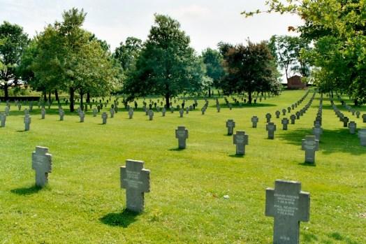 Le cimetière allemand de Rancourt.