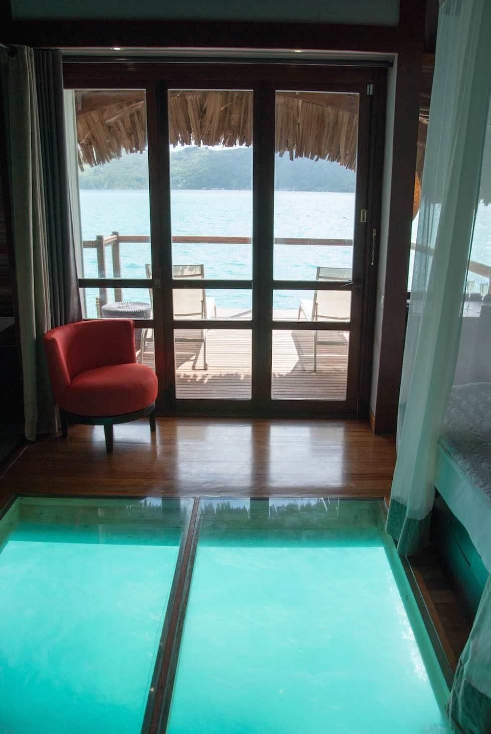 Bora Bora By Sea Overwater Bungalow Champagne Amp Paper