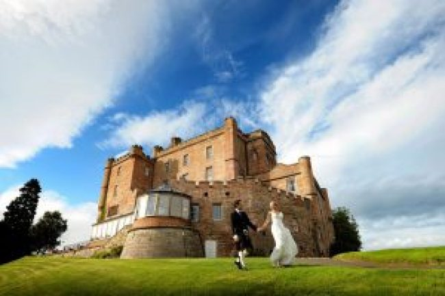 Castle Wedding - Dalhousie Castle
