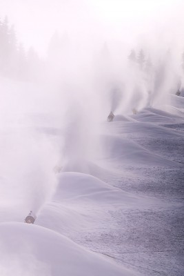 Snow blowers at workImage: 123RF