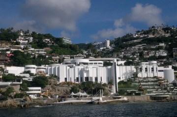 Acapulco Golden Burgers