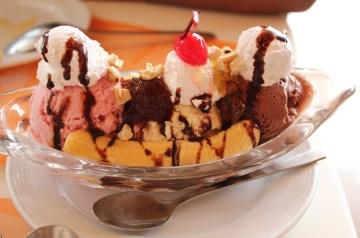 Banana-Split Cheesecake