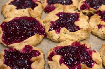 Raspberry and Almond Tart