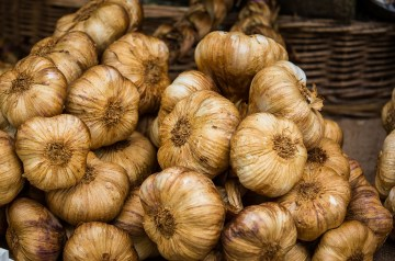Whipped Parsnips With Roasted Garlic