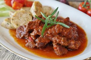 Beef in Red Wine Mushroom Sauce