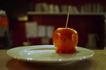 Easy Caramel Apple Cheesecake