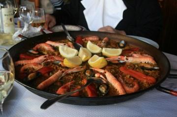 Paella-Style Shellfish Pasta